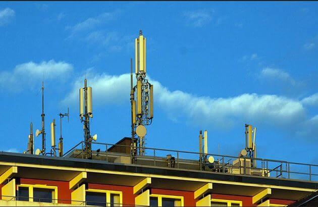 Die US-Raumfahrtbehörde NASA und die US-Ozeanografiebehörde NOAA melden technische Bedenken gegen 5G an und warnen